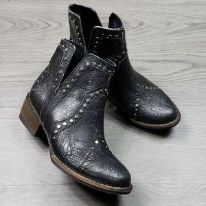 Veryvolatile Womens Studded Boots sz 6 1/2